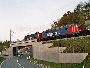 Etzgen: SBB-Unterführung B-422 und Kantonsstrasse K 130 mit Kreisel