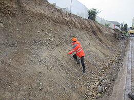 Othmarsingen: Lärmschutzwand Kehrgasse - Böschungsanschnitt Geologe